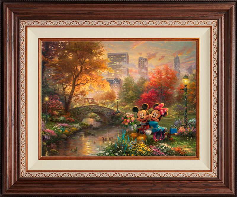 Mickey and Minnie – Sweetheart Central Park - Deluxe Walnut