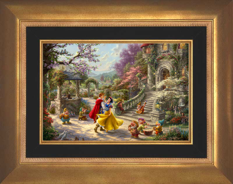 Snow White Dancing Sunlight -- Aurora Gold